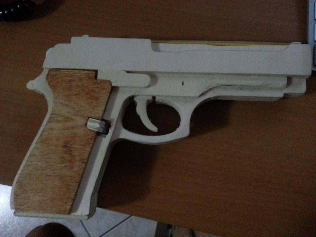 Pistola a elastici
